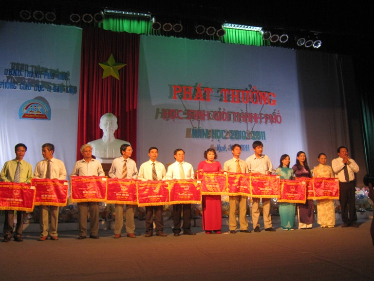 Thao giảng toàn trường hướng tới chào mừng Kỷ niệm 30 năm Ngày Nhà giáo Việt Nam 20/11/1982 – 20/11/2012