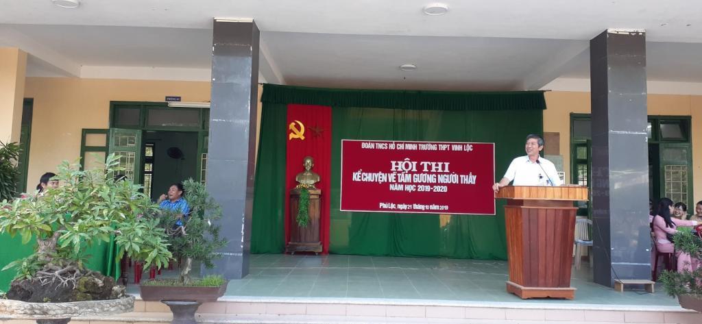 """THPT Vinh Lộc: Tổ chức hội thi """"Kể chuyện về tấm gương người thầy"""" năm học 2019 - 2020"""