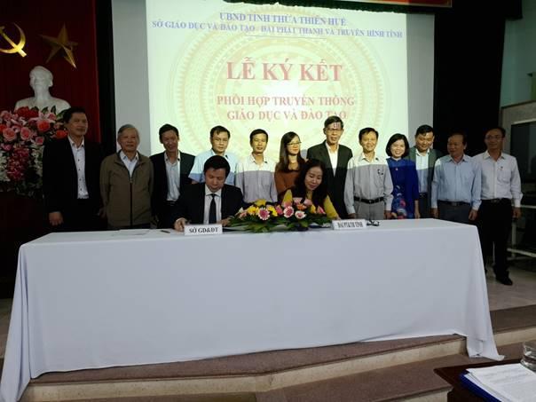 Hội nghị ký kết phối hợp truyền thông giáo dục giữa Sở Giáo dục và Đào tạo với Đài Phát thanh và Truyền hình tỉnh