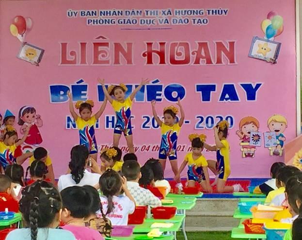 """Phòng GD&ĐT thị xã Hương Thủy tổ chức liên hoan """"Bé khéo tay""""  bậc học mầm non"""