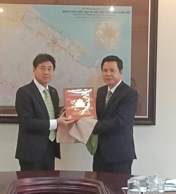 Giám đốc Sở Giáo dục và Đào tạo tiếp xã giao đoàn công tác Phủ Kyoto (Nhật Bản)