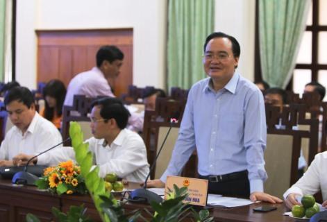 Bộ trưởng Bộ Giáo dục và Đào tạo làm làm việc với lãnh đạo tỉnh Thừa Thiên Huế về công tác chuẩn bị tổ chức kỳ thi trung học phổ thông năm 2020 và triển khai chương trình, sách giáo khoa mới