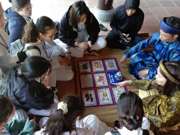 Sở Giáo dục Đào tạo phối hợp với Trung tâm Bảo tồn Di tích Cố đô Huế tổ chức chương trình tham quan trải nghiệm di sản cho học sinh trung học tại Đại Nội Huế