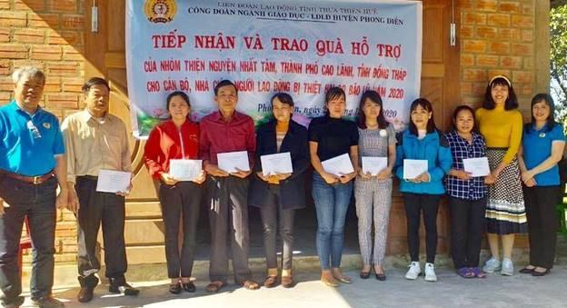 Công đoàn ngành Giáo dục tỉnh Thừa Thiên Huế trao quà hỗ trợ khắc phục thiệt hại do bão lũ