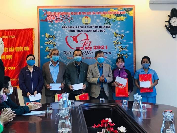 Công đoàn ngành giáo dục tỉnh Thừa Thiên Huế tổ chức tết sum vầy năm 2021