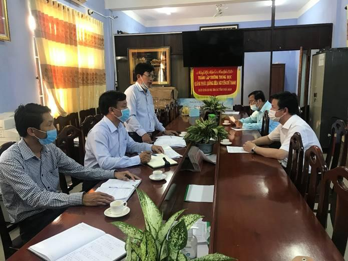 Lãnh đạo Sở GD&ĐT trực tiếp chỉ đạo và giải quyết vướng mắc, khó khăn ở cơ sở hoàn thành kế hoạch năm học