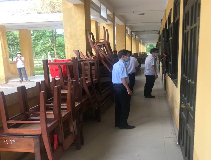 Lãnh đạo Sở Giáo dục và Đào tạo kiểm tra các đơn vị trường học đã được bàn giao sau khi trưng dụng làm khu cách ly người về từ vùng dịch