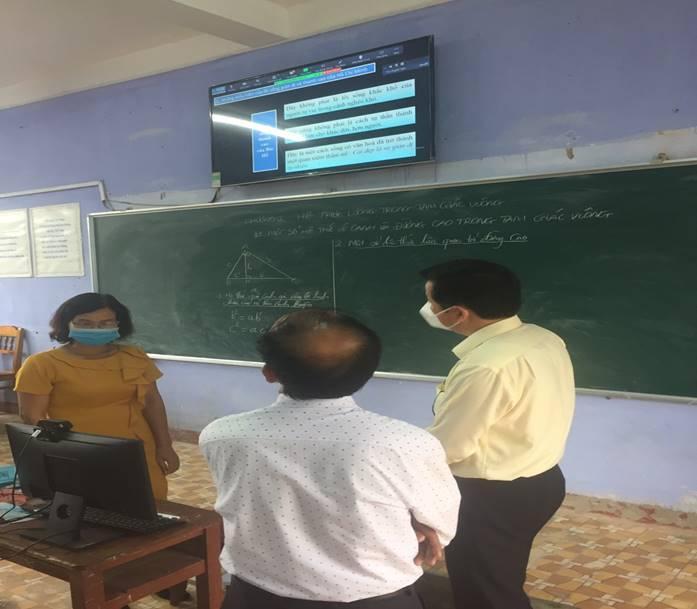 Ngày thứ hai của năm học đặc biệt nhiều địa phương, cơ sở giáo dục đã chủ động với nhiều hình thức dạy học phù hợp