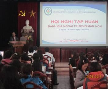 Khai mạc Hội nghị tập huấn đánh giá ngoài trường mầm non năm 2013