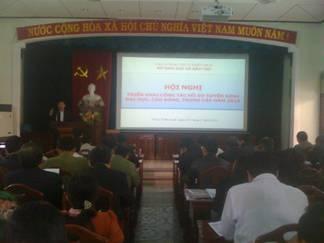 Sở GD&ĐT Thừa Thiên Huế tổ chức Hội nghị triển khai công tác hồ sơ tuyển sinh đại học, cao đẳng và trung cấp năm 2013